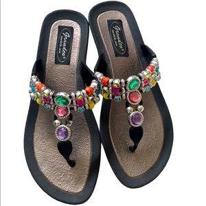 NWOB Grandco Rhinestone Thong Sandals Size 6